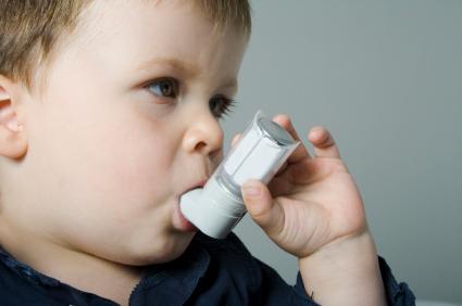 L'asthme est une maladie inflammatoire de longue durée affectant les voies respiratoires, dans laquelle de nombreux éléments cellulaires et cellules jouent un rôle.
