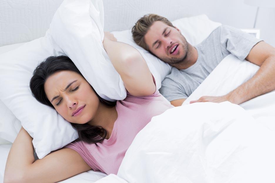 Snurken is één van de meest voorkomende nachtelijke ongemakken en is de voornaamste oorzaak van slapeloosheid en stress.